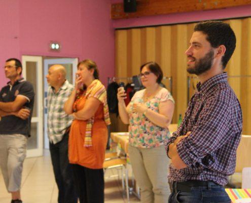 Les participants en grande écoute
